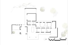 Plan d'une grande maison aux lignes épurées avec patio