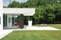 Larges ouvertures sur terrasse et le parc